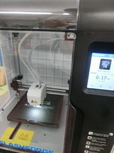 新しい3Dプリンターを導入しました